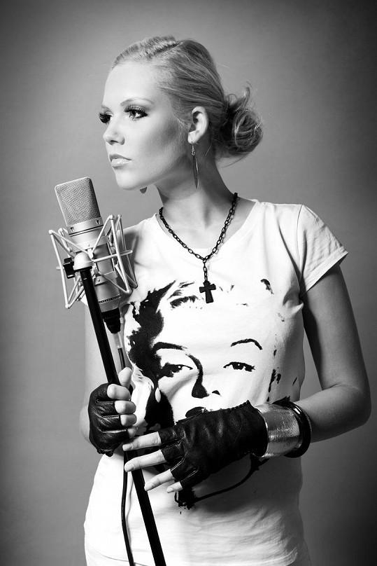 Afterpárty po koncertech obstará zpěvačka Markéta Poulíčková s kapelou.