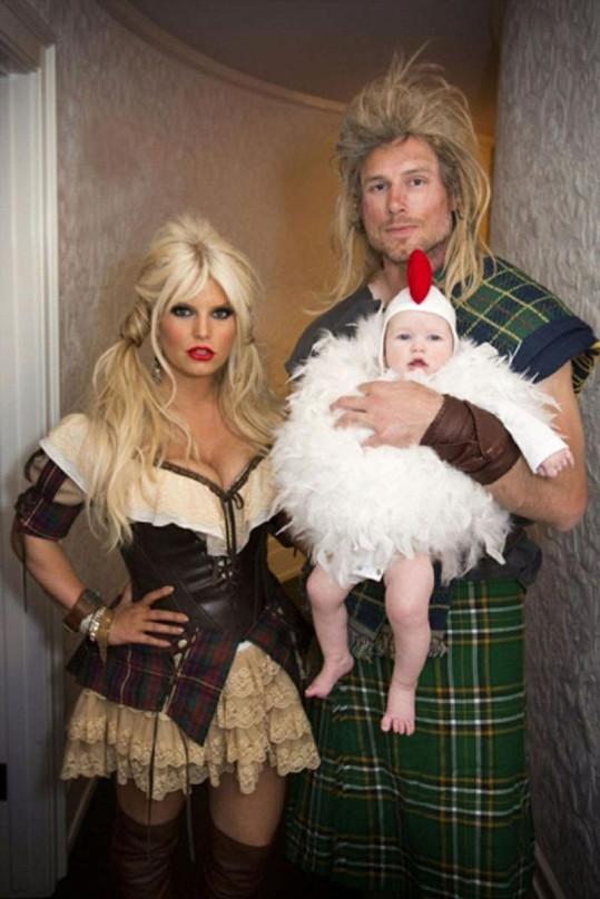 Jessica, její snoubenec a dcera Maxwell.