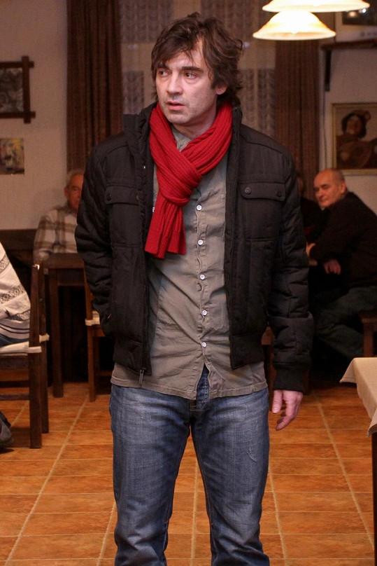 Pavel Řezníček, seriálový manžel Lucie.