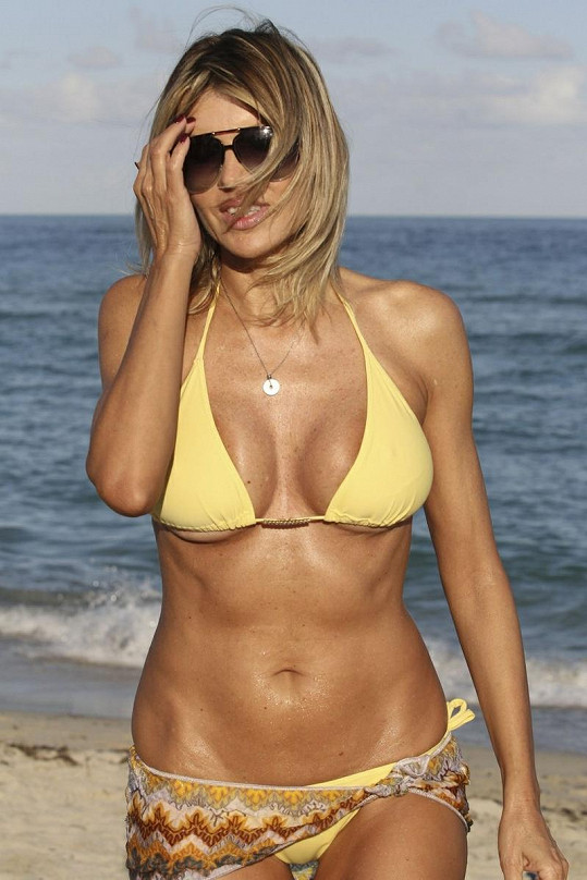 Rita Rusic (51) a její bezchybné tělo.