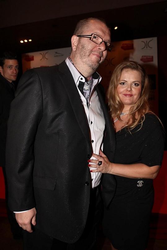 Richard Müller s ještě těhotnou přítelkyní Vandou Wolfovou.