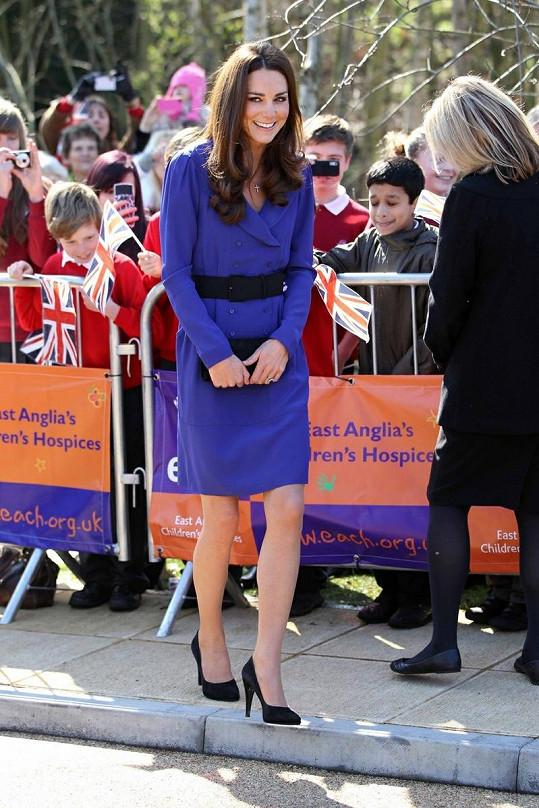 Kate v pondělí během návštěvy Ipswicku.