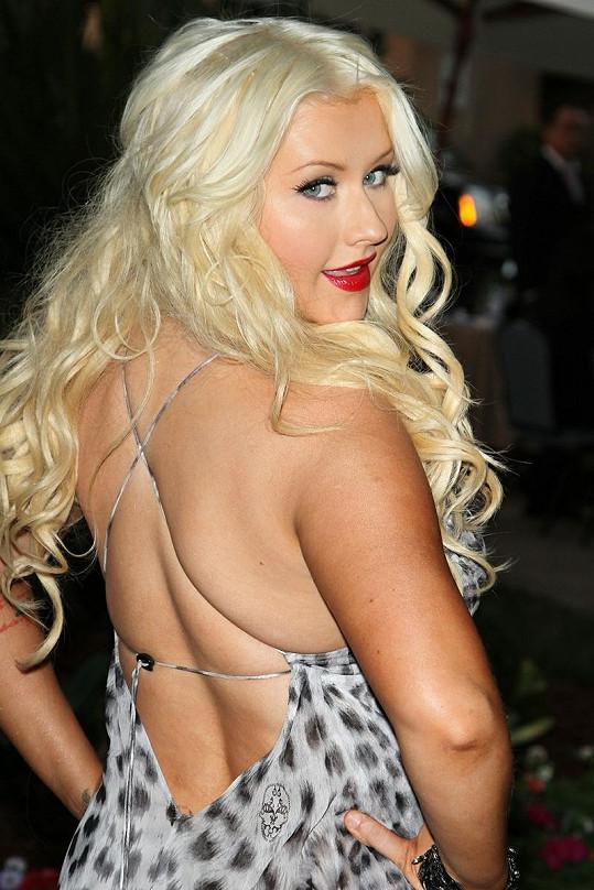 Christina Aguilera kily navíc ztratila hodně ze své krásy.