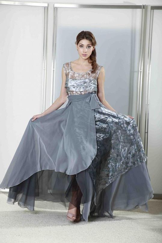 Možná právě tyto šaty předvede Smejkalová v Torontu.