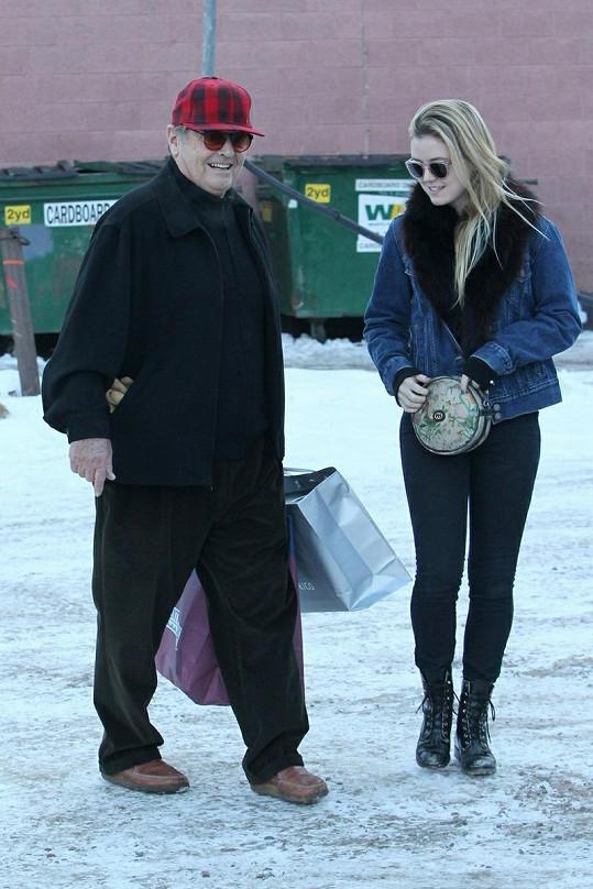 Jack nakupoval se svou dcerou Lorraine.