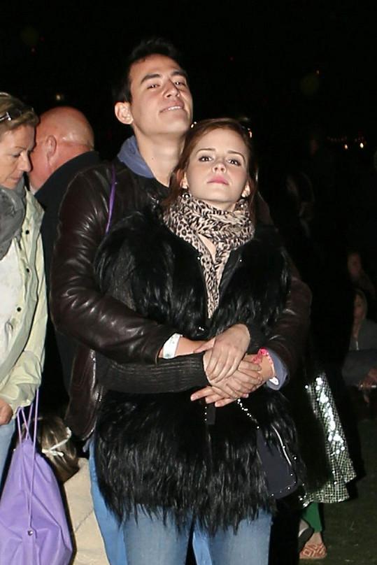 Šťastný pár: Emma Watson a Will Adamovicz.