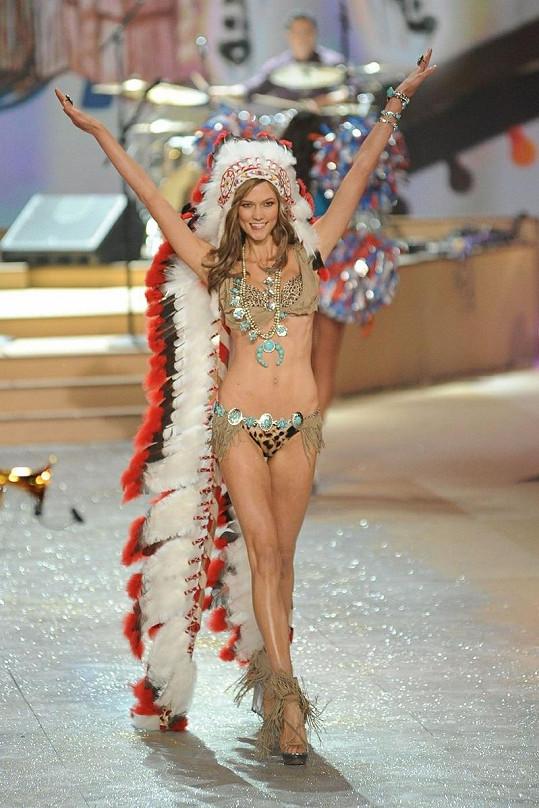 Karlie Kloss v outfitu, který je trnem v oku mnoha lidí.