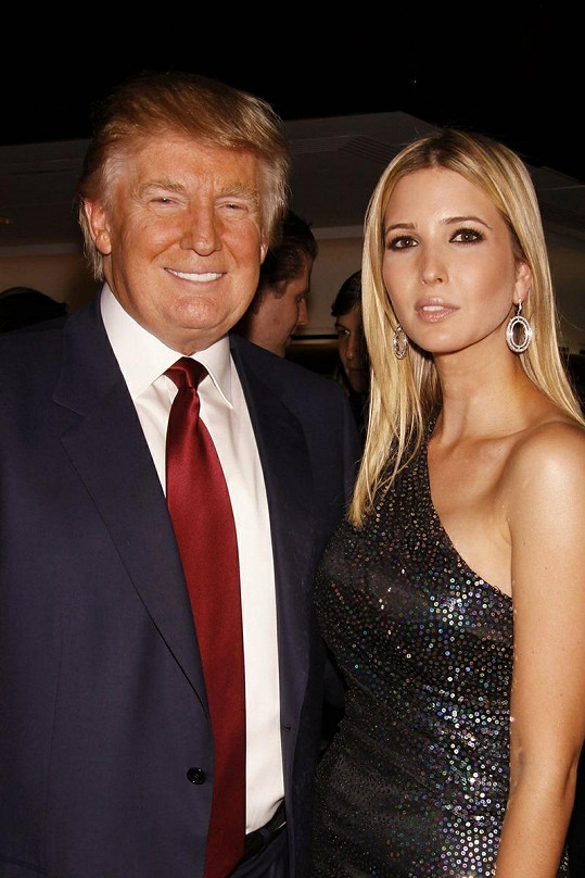Donaldem Trumpem s dcerou Ivankou Trump.