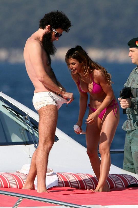 V tuto chvíli by se bývalá partnerka George Clooneyho neměla smát...