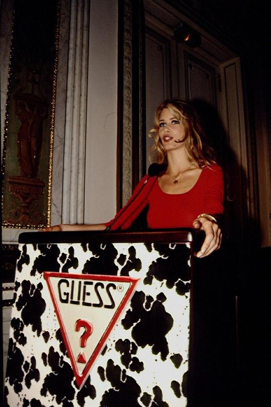 Německá topmodelka před více než 20 lety pro Guess.