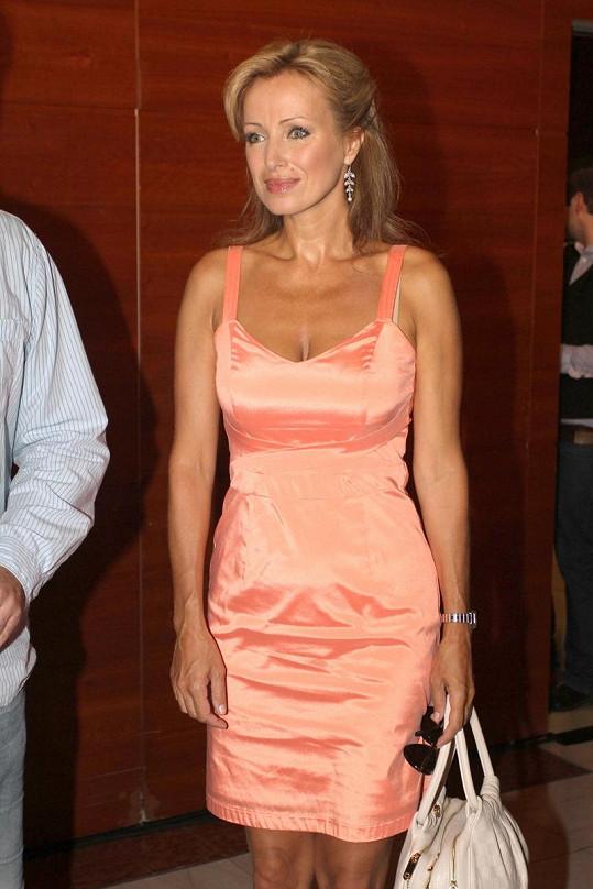 Kateřina Brožová vypadá pořád skvěle.