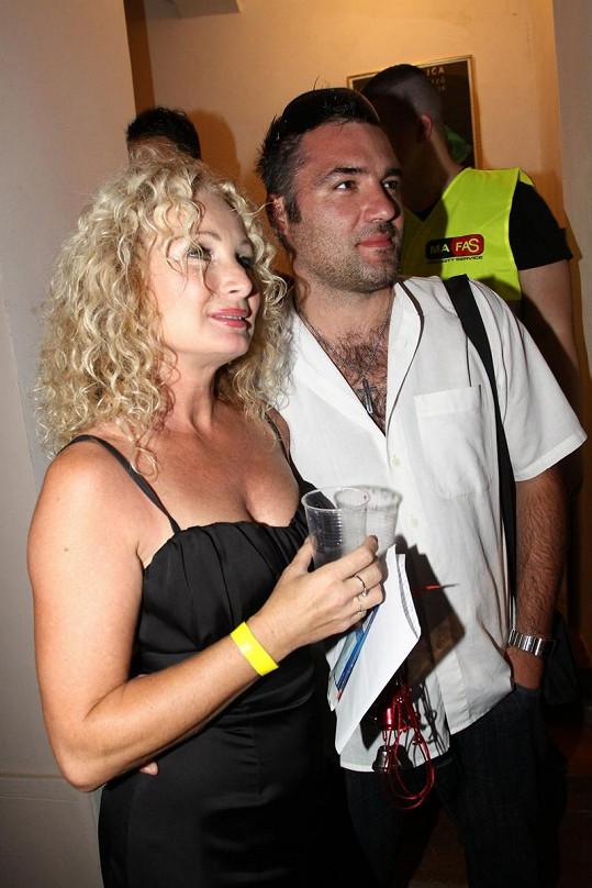 Světlana Nálepková s novým přítelem vypadá šťastně.