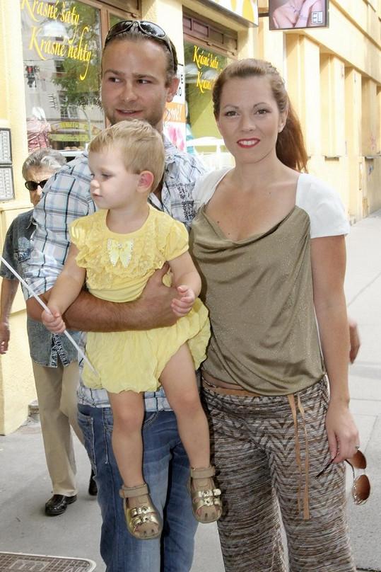 Nechyběla ani Míša Nosková s manželem a dcerou Eliškou.