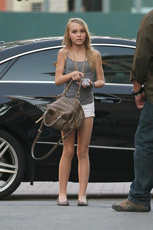 Krásná Lily-Rose Melody Depp.