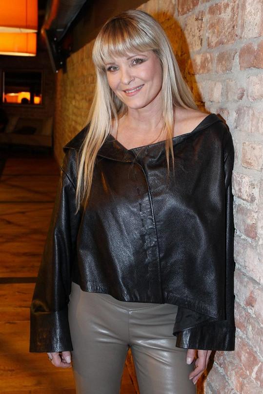 Chantal Poullain září štěstím.