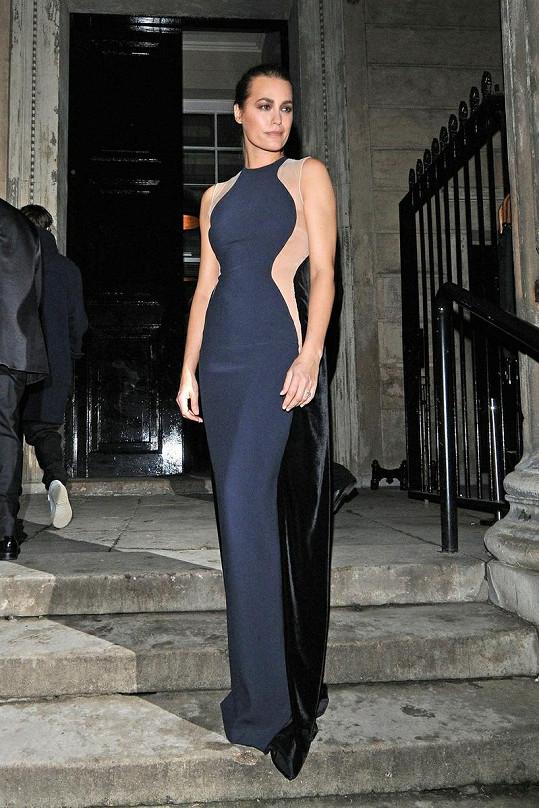 Modelka Yasmin Le Bon v šatech Stelly McCartney.