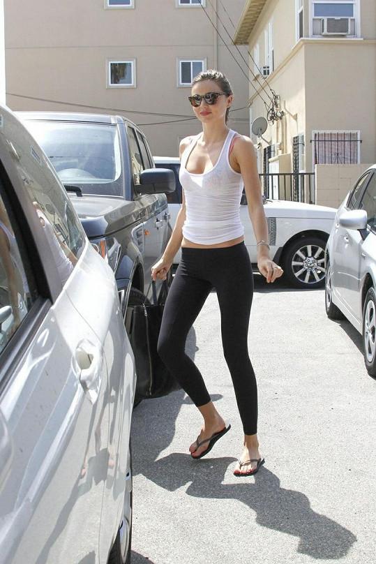 Miranda Kerr by potřebovala přibrat několik kilogramů.
