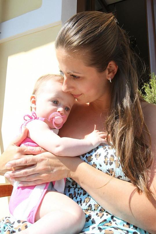 Moničina sestra Lucie se svou Bellinkou.