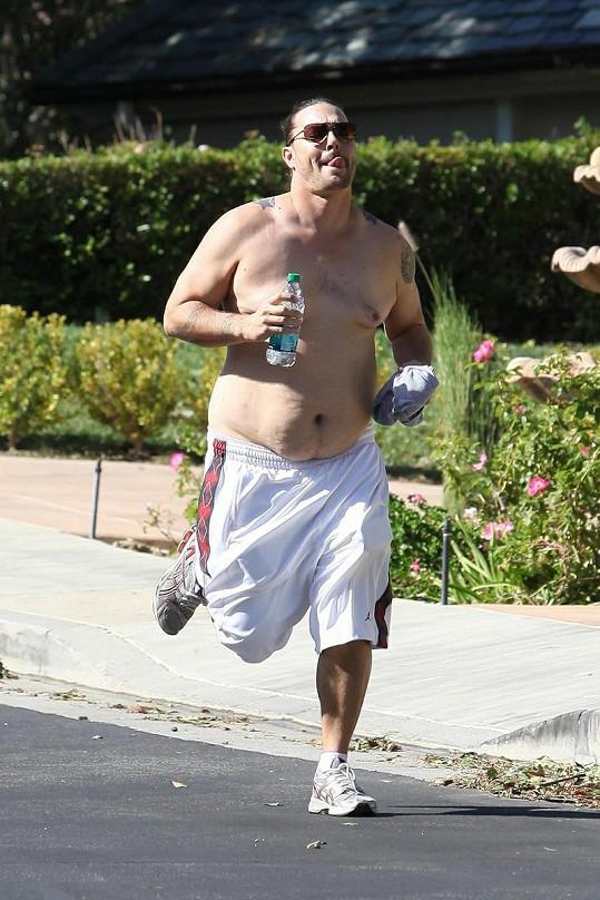 Bývalý manžel Britney Spears má co dělat, aby svou postavu dostal do původní formy.