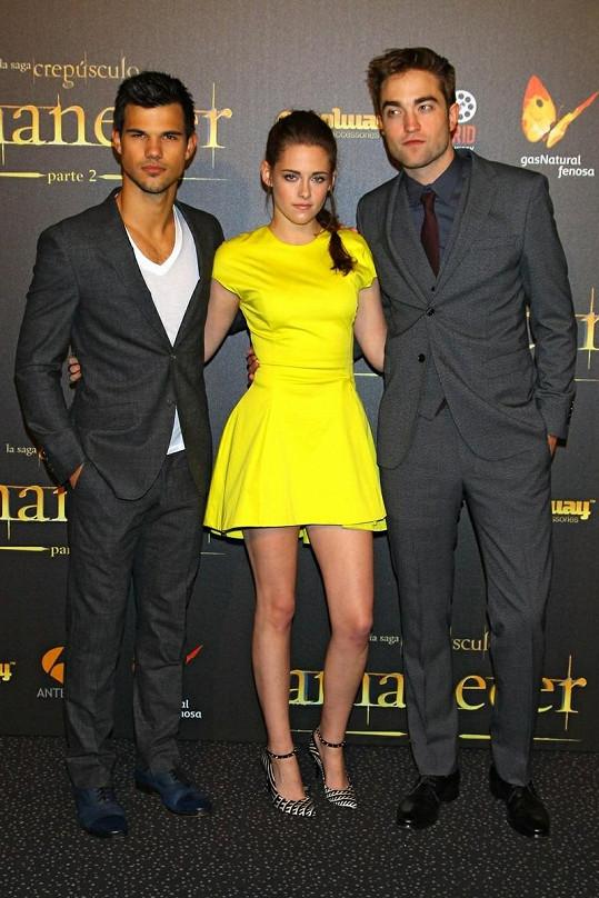 Kolegové a přátelé. Zleva: Taylor Lautner, Kristen Stewart a Robert Pattinson.