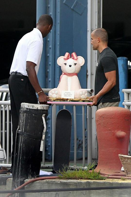 J-Lo dostala originální narozeninový dort.