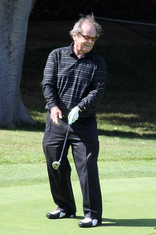 Jack Nicholson má radost z dobrého úderu.