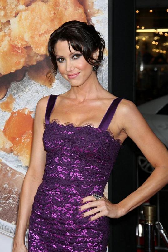 Krásná Nadia byla sexbombou celé komedie. Hrála ji Shannon Elizabeth.