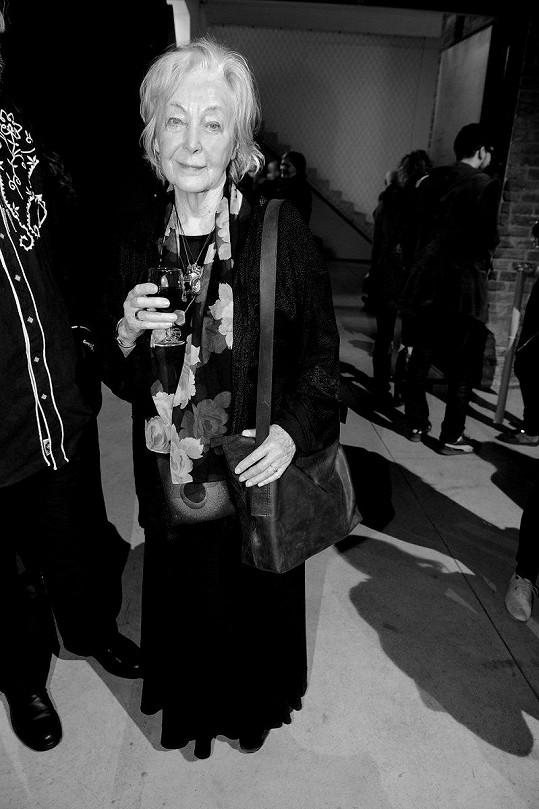 Paní Dagmar myslí i na zesnulou Květu Fialovou, která má pohřeb dnes.