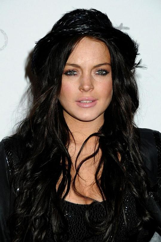 Lindsay jako brunetka v roce 2010.