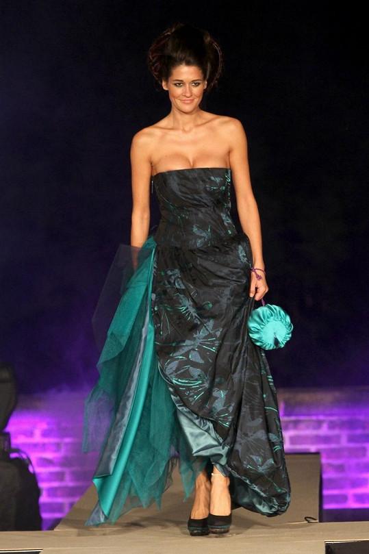 Petra Faltýnová a její neposedné šaty.