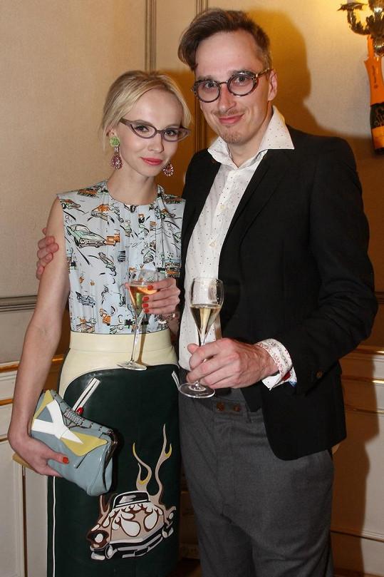 Blonďatá Jana Plodková s přítelem Filipem Žilkou.