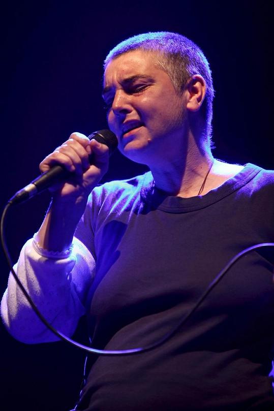 O'Connor v roce 2009 na koncertě v Moskvě.