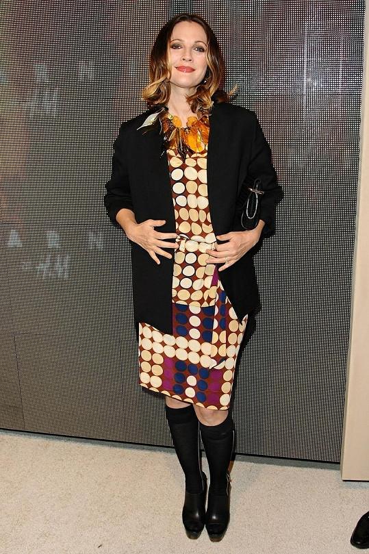 Drew Barrymore na akci pořádané značkou H&M.