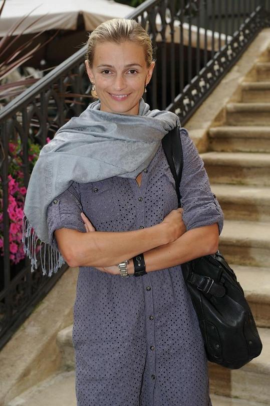 Nenalíčená Ivana Jirešová.