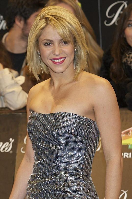 Kolumbijská zpěvačka si nechala ostříhat své nádherné vlasy.