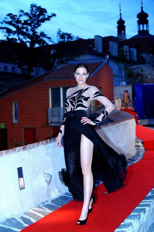 Radka Kocurová ukázala své krásné nožky.