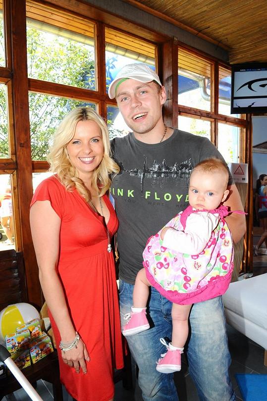 Kateřina Kristelová s manželem Martinem a dcerou Claudií.