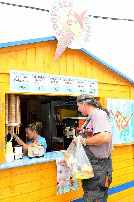 Gavriely u zmrzliny navštívili zvláštní týpci.