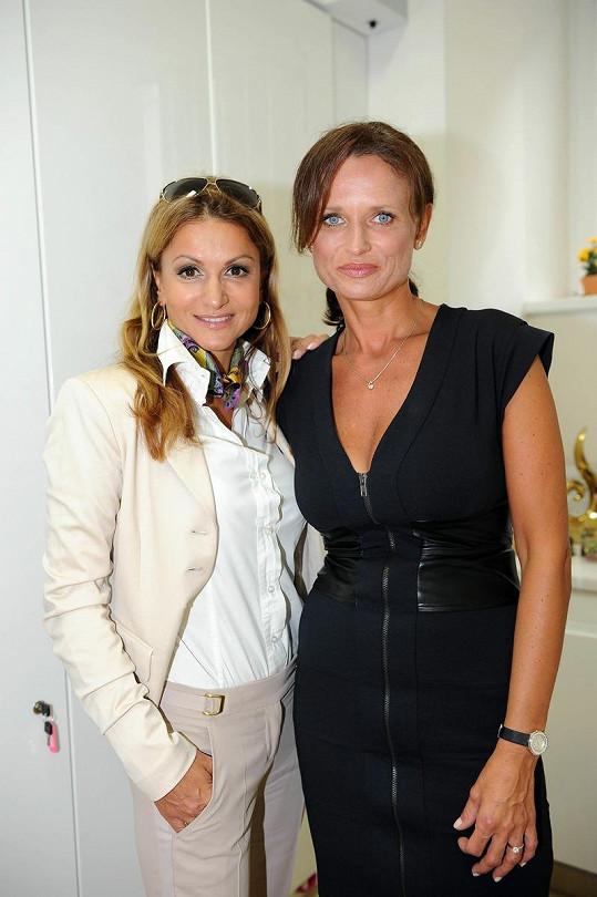 Yvetta Blanarovičová s Janou Adamcovou také vypadají o deset let mladší.