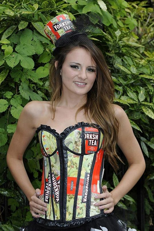 Finalistka Hannah Higgins se jako správná Britka inspirovala čajem.