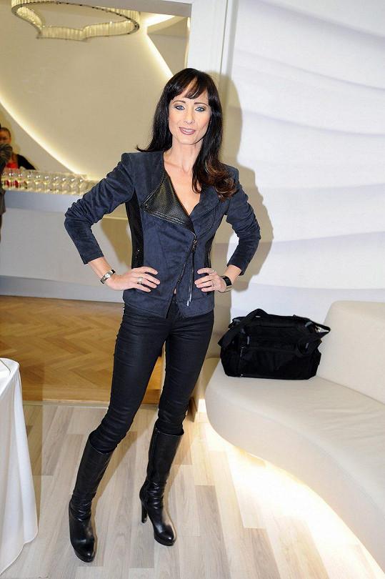 Daniela Šinkorová na oslavě pátých narozenin kliniky estetické medicíny a plastické chirurgie.
