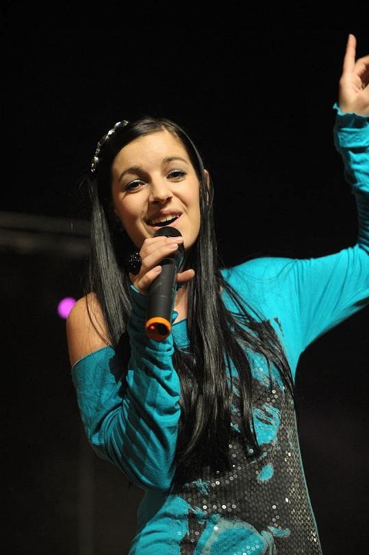 Děti ráje zastupovala i mladinká zpěvačka Genny Giatti.