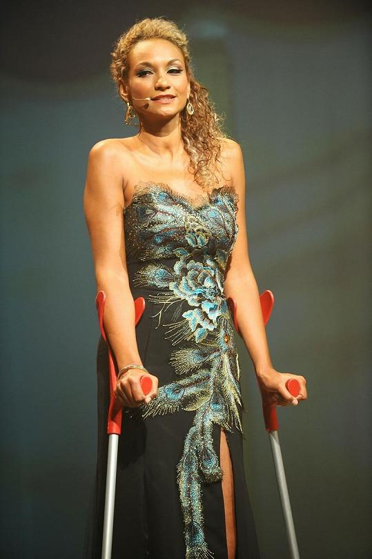 Lejla Abbasová s odbarvenými vlasy.