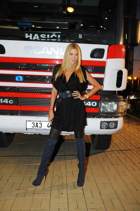 Kateřina Průšová byla o víkendu v protě Miss Hasička.