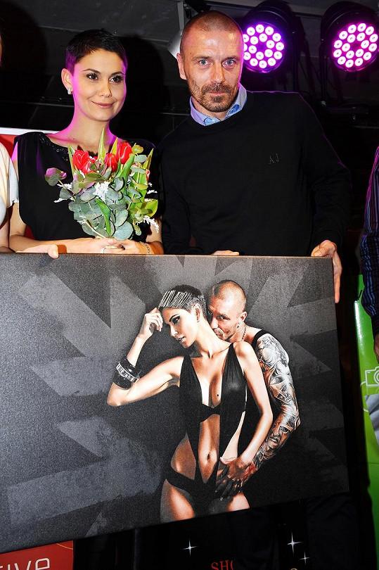 Vlaďka Erbová a Tomáš Řepka na křtu kalendáře pro nadaci Rakovina věc veřejná.