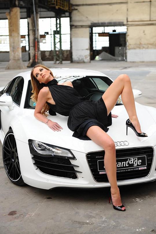 Pavlína Němcová je zatraceně sexy.