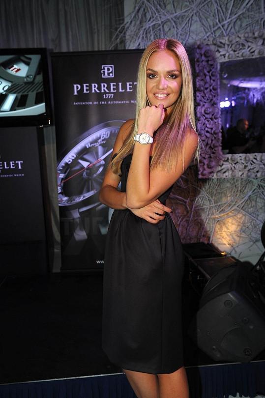 Taťána Kuchařová předvedla nové hodinky za víc jak milión korun.