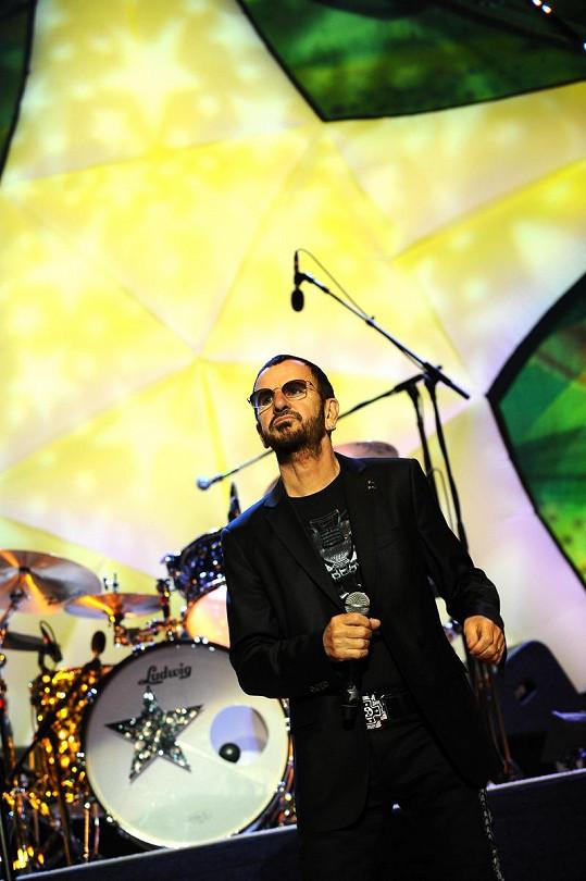 Ringo zazpíval i Žlutou ponorku.