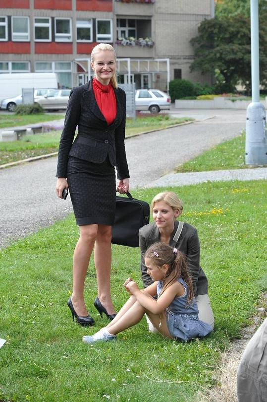 Iva Pazderková jako ambiciózní manažerka.