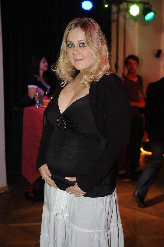 Klára Kolomazníková je na konci sedmého měsíce těhotenství.